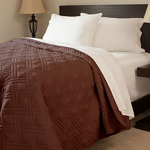 Lavish Home Solid Color Bed Quilt, King, Chocolate