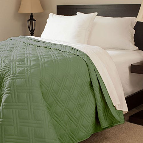 Lavish Home Solid Color Bed Quilt, Twin, Green