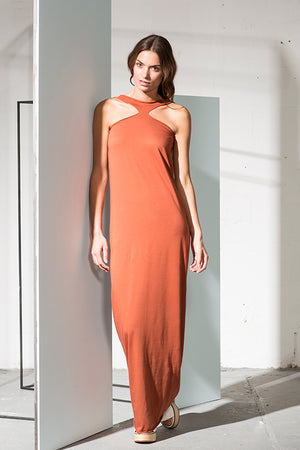 Cinnamon long dress which can be worn in multiple ways, in organic cotton.