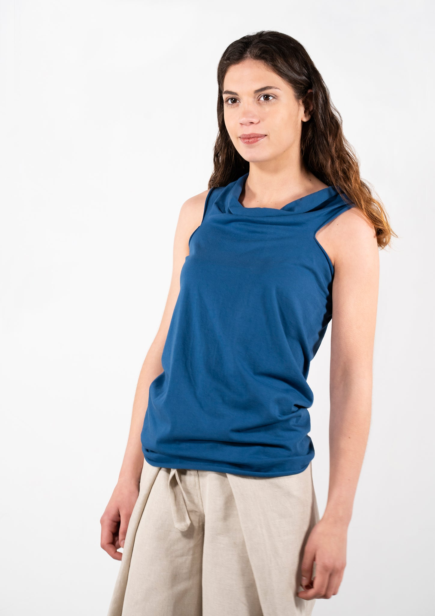 Elementum multifunctional blue top.