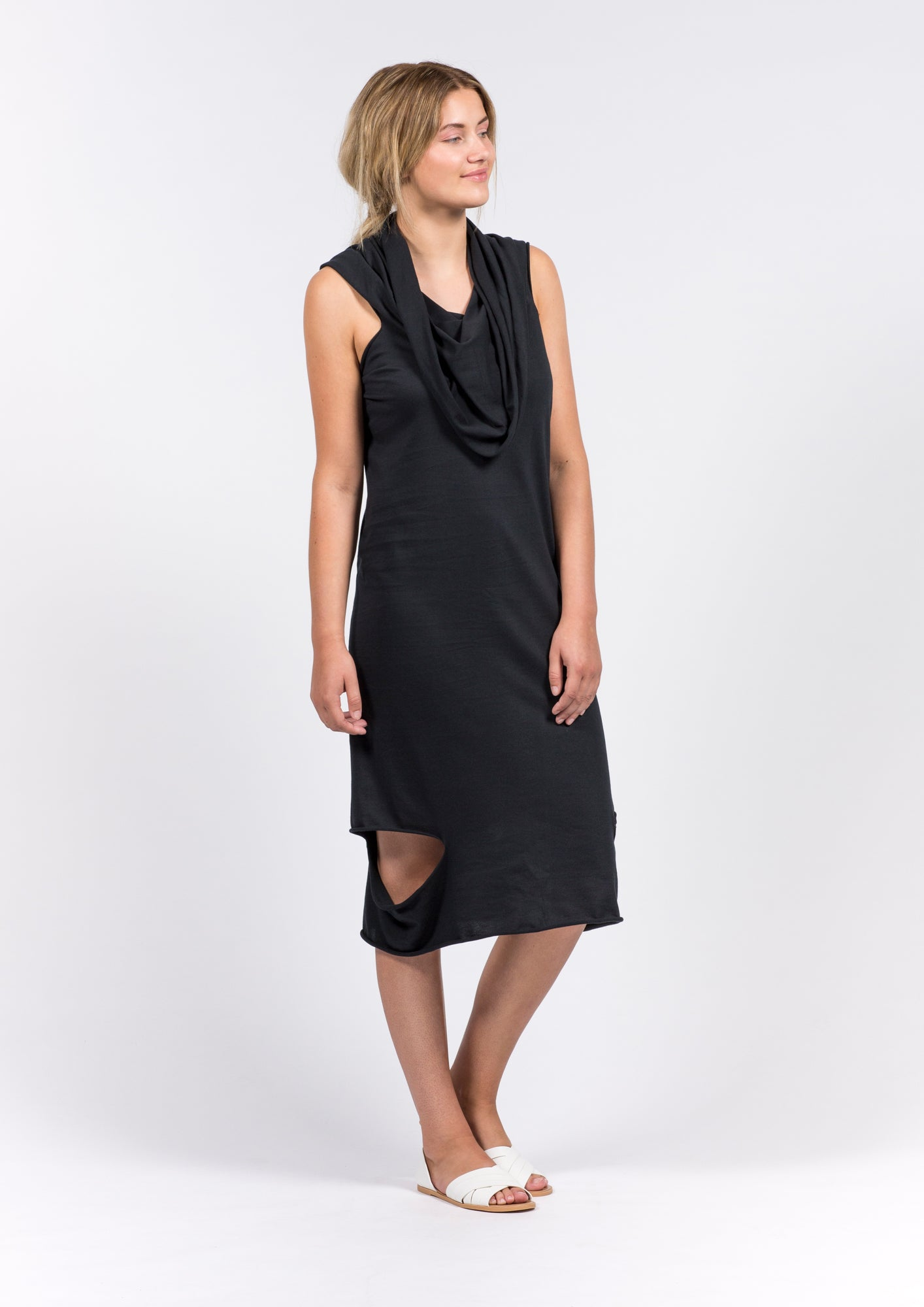 ELEMENTUM_MULTIFUNCTIONAL_ DRESS