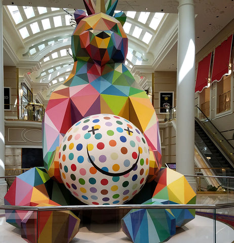 Statute of bear in geometric shapes in the entrance of the Wynn in Las Vegas featured in a blog post by Jackie Vujcich of Colorado Creations Quilting