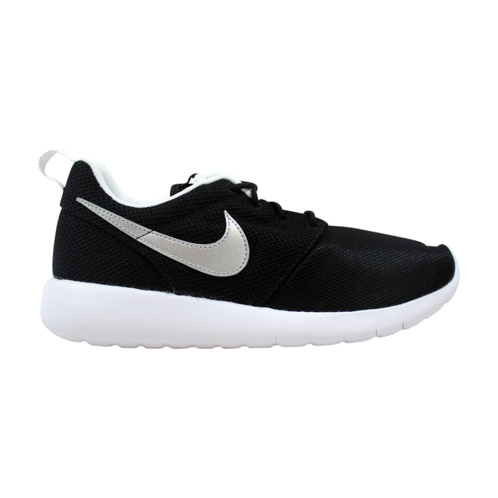 Nike Roshe One Black/Metallic Silver-White  599728-021 Grade-School