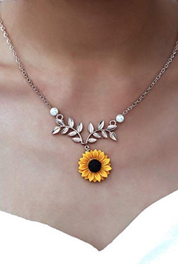 CupNami Sunflower Shaped Alloy Necklace With Pearl