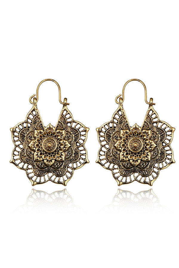 CupNami Flower Hallow-carved Earrings