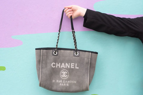 dc2f7b3a6cd3 Chanel Canvas Large Deauville Tote D Blue – q8moda