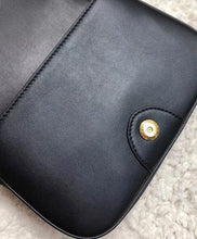Burberry The Leather Link Bag Black