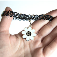 Load image into Gallery viewer, Daisygram Choker or Keychain