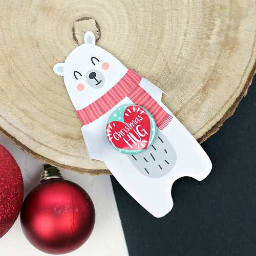 Christmas Hug badge with a polar bear
