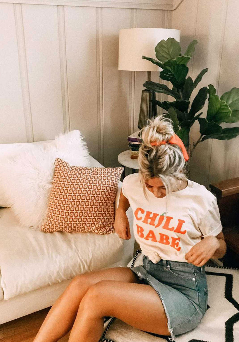 Chill Babe Tee / womens graphic tees / vintage style southwest retro 70s tshirt / spicy sriracha chili pepper shirt / jalapeno gifts t-shirt
