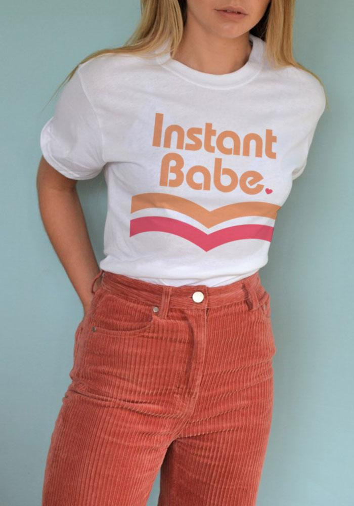 Instant Babe Tee / womens graphic tees / ramen noodle shirt / vintage style retro 70s / japan anime cup of noodles tshirt