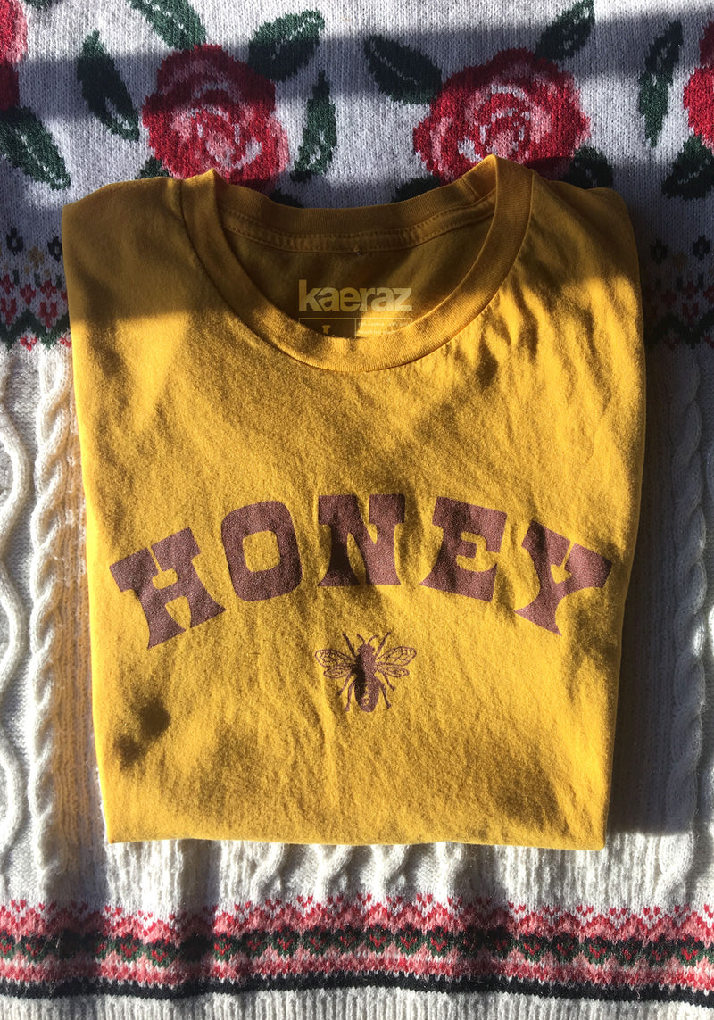 Honey Bee Tee / womens graphic tees / vintage style retro 60s 70s t shirt / save the bees / uh huh honey gold shirt
