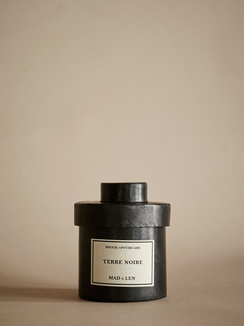 MAD ET LEN Bougie D'Apothecaire (Terre Noire, 300g) | The Source - Bath • Kitchen • Homewares