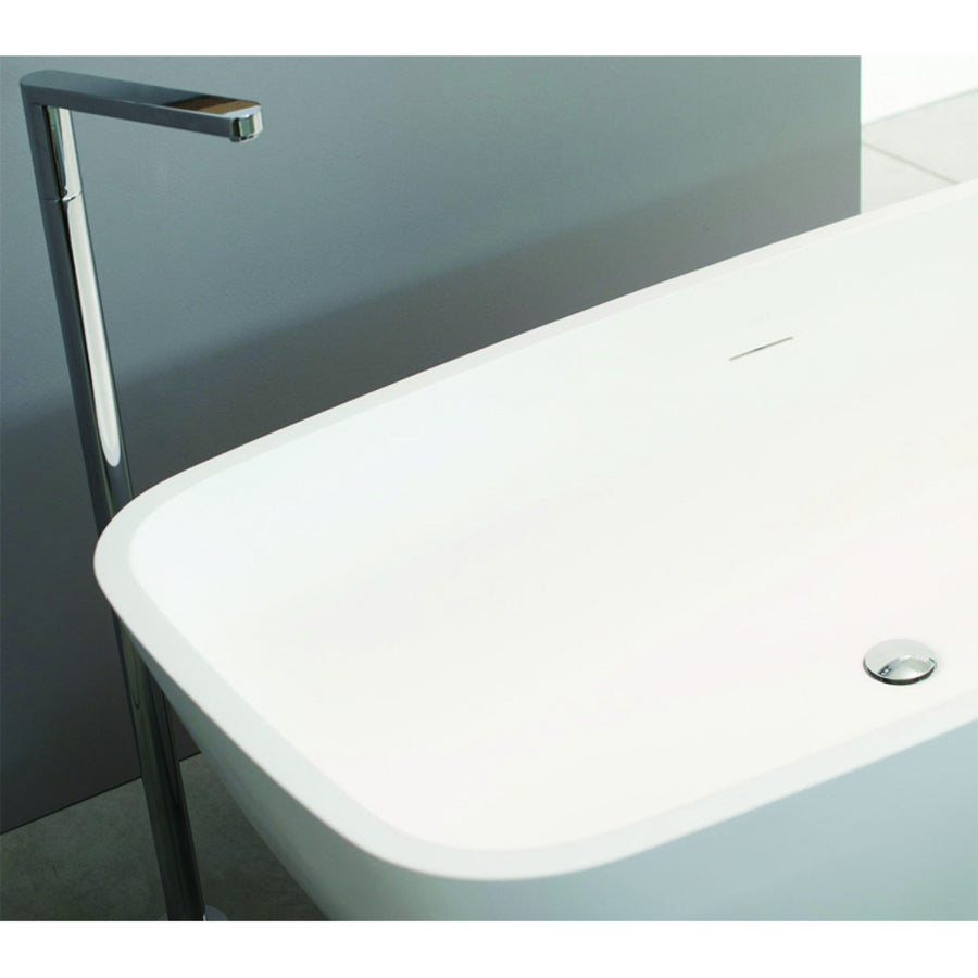 Ex.t APRIL - Bathtub with swivel siphon