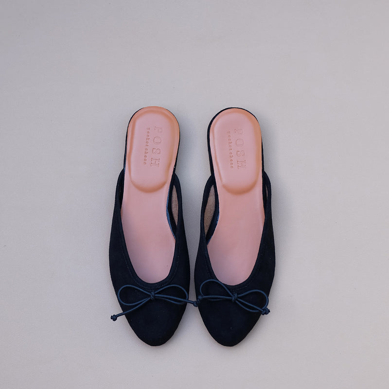 Felipa in Black Suede