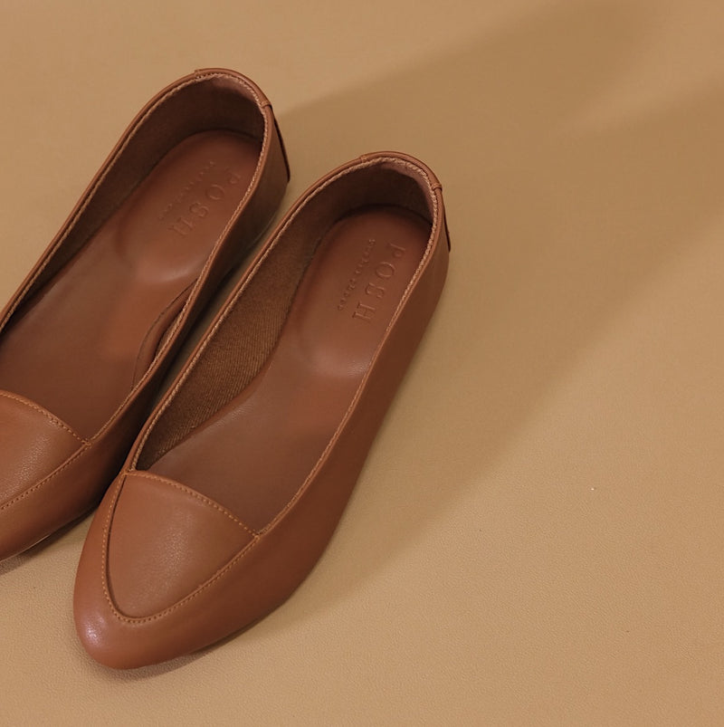 Pointy Loafer in Tan