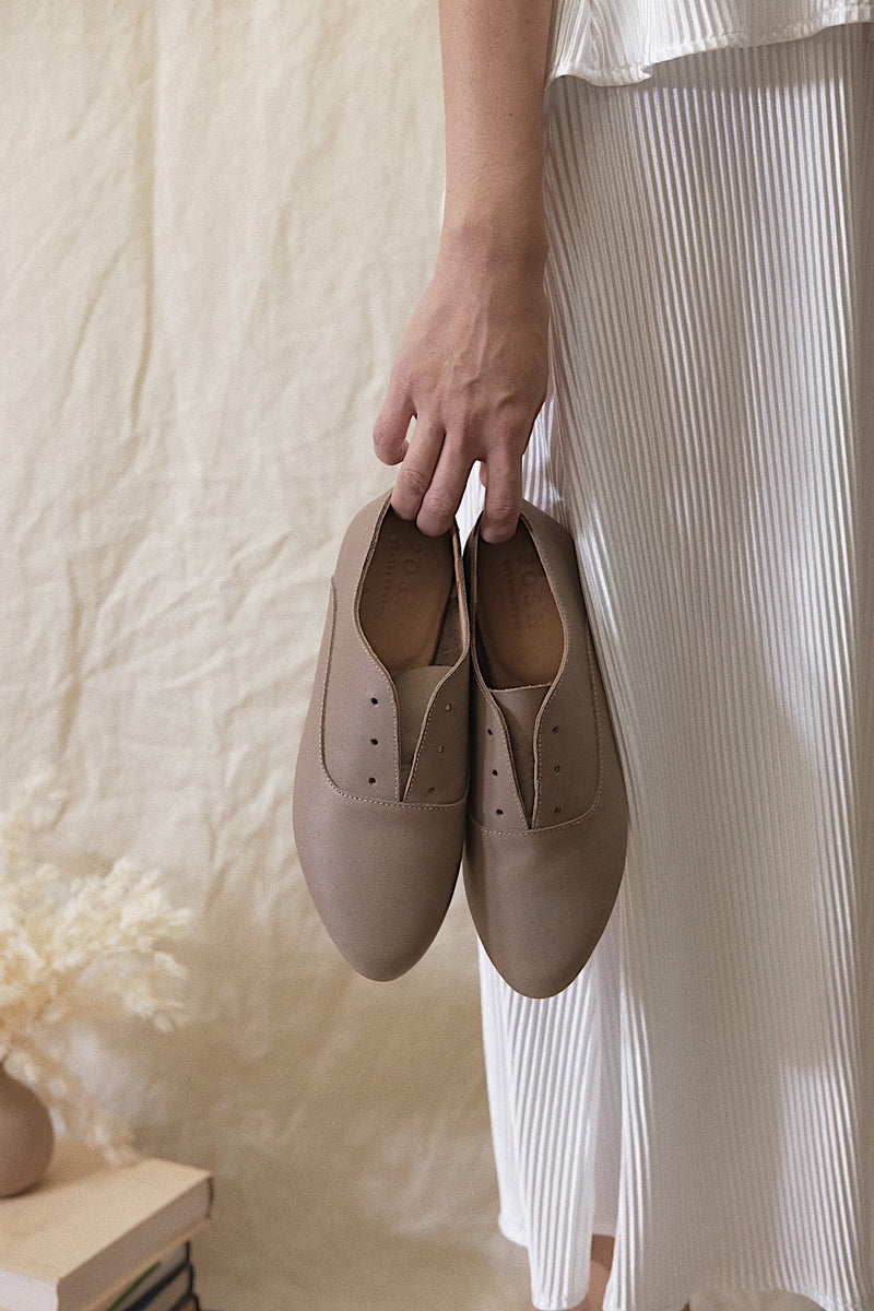 Sunday Shoe in Taupe