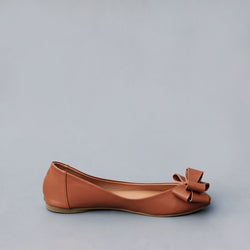 Pointy Bow in Tan