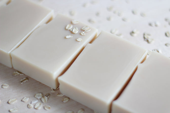 OAT MILK & OATMEAL oat milk + colloidal oatmeal, unscented soothing soap