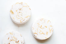 Load image into Gallery viewer, Orange & Ginger Bath Bomb - Nat Botanicals
