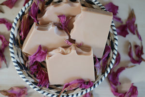 ROSE GERANIUM aloe vera + pink clay soap