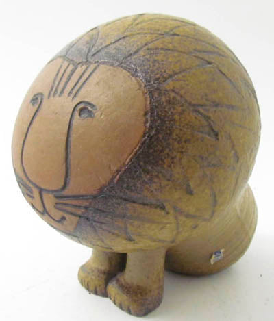 Lion by Lisa Larson for Gustavsberg. H: 15cm/5