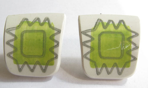 Cuff links by Kila Design made of old porcelain. Ask us for more examples.