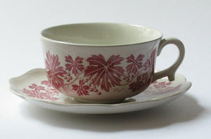 "Tea cup ""Röd Vinranka"" by Gefle. For the moment out of stock."
