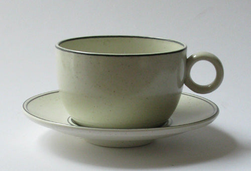 Coffee cup and tea cup