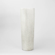 "Load image into Gallery viewer, Golvvas ""Trinidad"" av Mari Simmulson för Upsala-Ekeby, 1959-1960. Märkt UE SWEDEN 4385. 50,5cm hög ""Trinidad"" floor vase by Mari Simmulson for Upsala-Ekeby, 1959-1960. Marked UE SWEDEN 4385. H: 50,5cm/19,9"""