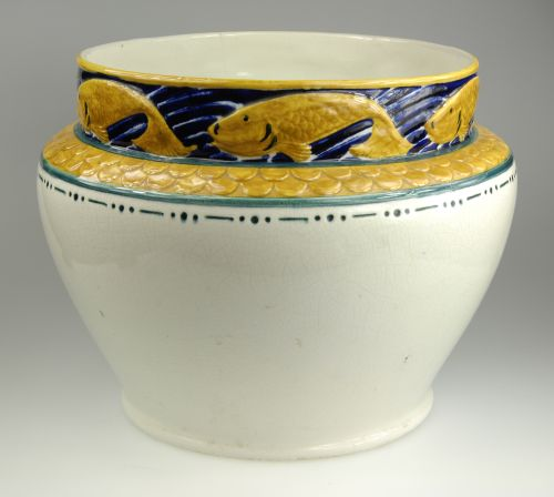 An art nouveau flower pot by Rörstrand. H: 22