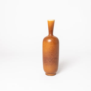 "Stengodsvas av Berndt Friberg för Gustavsberg med harpälsglasyr. 23,5cm hög. Signerad Friberg samt Studiohanden. Stoneware vase by Berndt Friberg for Gustavsberg. Harefur glaze. H: 23,5cm/9,3″. Signed Friberg and the ""Studio Hand"""