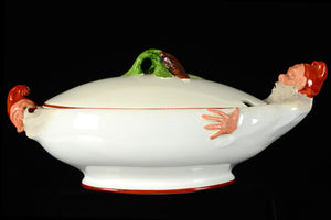 "Terrin av Alf Wallander för Rörstrand, tidigt 1900-tal. Märkt Alf Wallander. 41,5 cm lång och 22cm bred. Art Nouveau christmas tureen by Alf Wallander for Rörstrand. Marked Alf Wallander. L: 41,5cm/16,3"" and W: 22cm/8,7""."