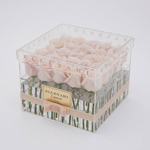 L'amour - 25 Roses in Acrylic Box