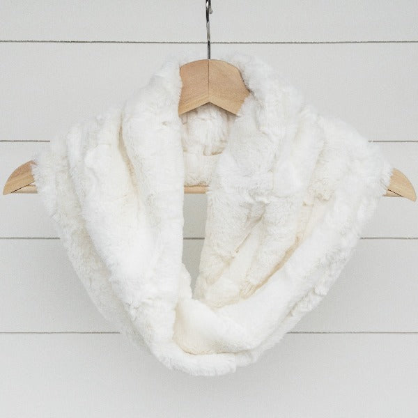 Chickadee Luxe Cuddle Infinity Scarf in Natural White Hide Minky