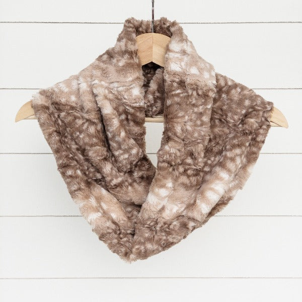Chickadee Luxe Cuddle Infinity Scarf in Cappuccino Fawn Minky