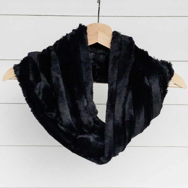 Chickadee Luxe Cuddle Infinity Scarf in Black Chinchilla Minky