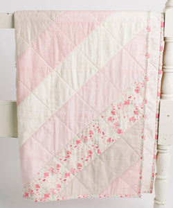 Le Vintage Chic Diamond Patchwork Toddler Quilt