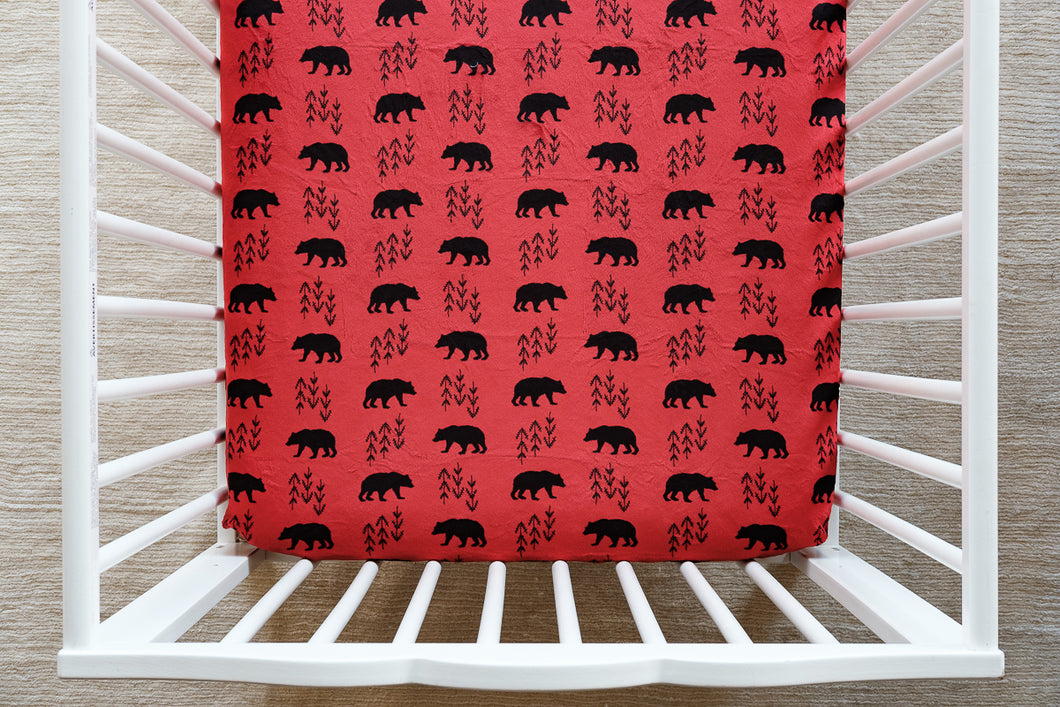 Fitted Crib Sheet in Bearprint in Scarlet Minky