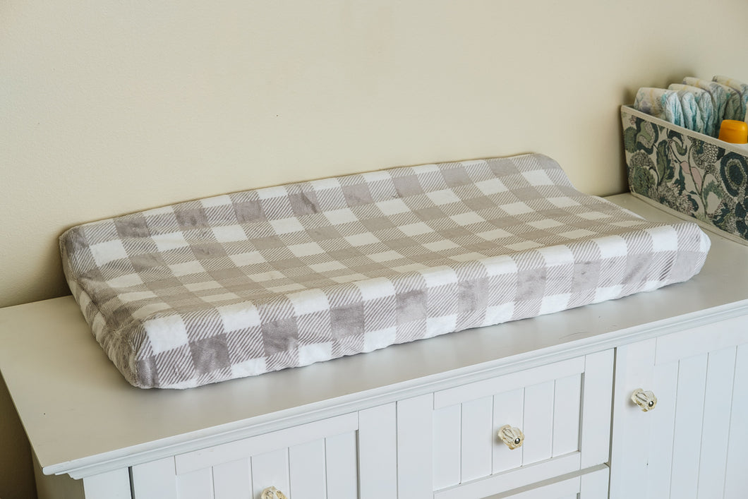 Contoured Changing Pad Cover in Gray and White Plaid