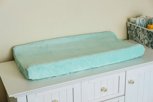 Contoured Changing Pad Cover in Honeydew