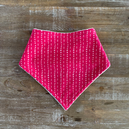 Bandana Bib in Les Points Rose
