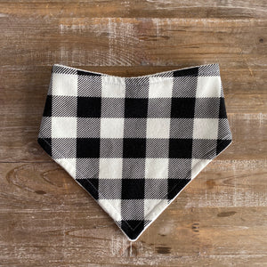 Bandana Bib in Black & White Plaid