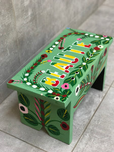 "Light green stool in car rapide art ""Beauté"""