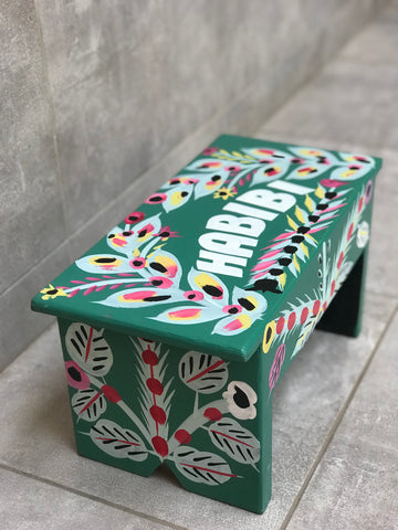 "Green stool in car rapide art ""Habibi"""