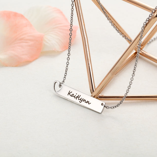 Engraved Name Neckalce Bar Necklace with Heart Gift for Mother