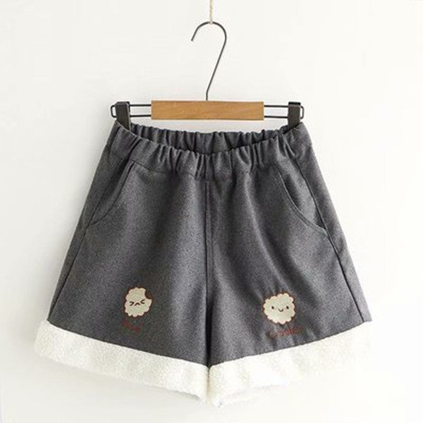 Little lamb embroidered shorts PL21026