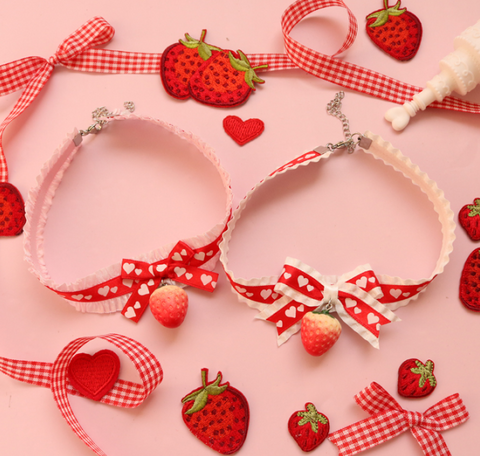 Red strawberry + bow necklace    PL50300