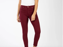 Ellie High Rise Skinny in Cranberry