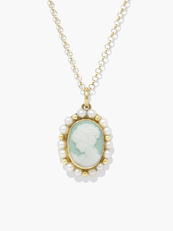Little Lovelies Green Cameo Pearly Necklace